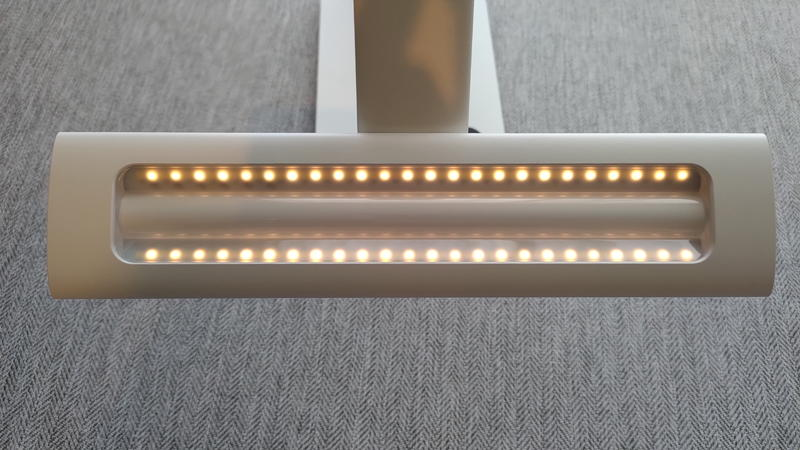 TaoTronicsデスクライトTT-DL092の暖色発光LED